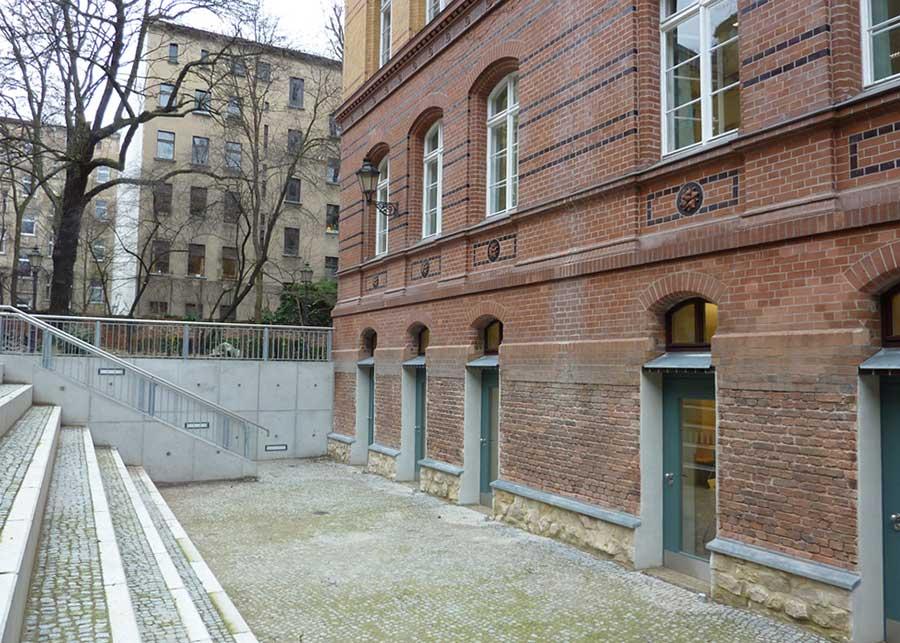Hermann Hesse Gymnasium – Einbau Mensa und Sanierung Aula