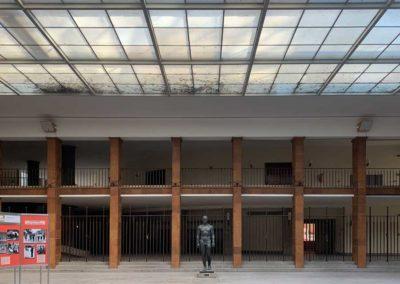 Lichthof und Fassade Adlerplatz Olympiapark Berlin